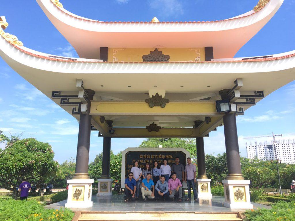 CBNV HVT Group dâng hương tưởng nhớ Đền thờ liệt sĩ TP Vũng Tàu kỉ niệm 72 năm ngày Thương binh, liệt sĩ